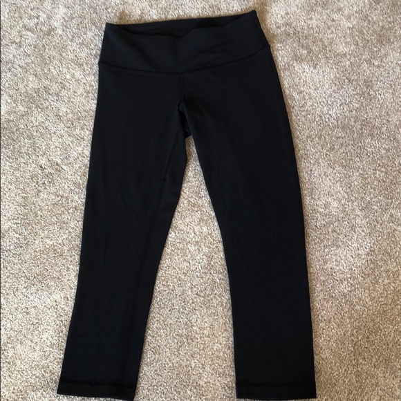 lululemon athletica Pants - Lululemon athletica capris